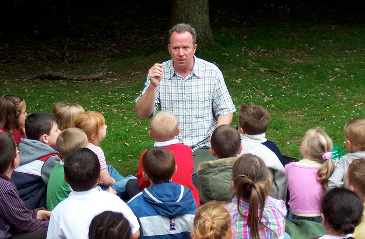 Kevin Graal storytelling for schools - outside